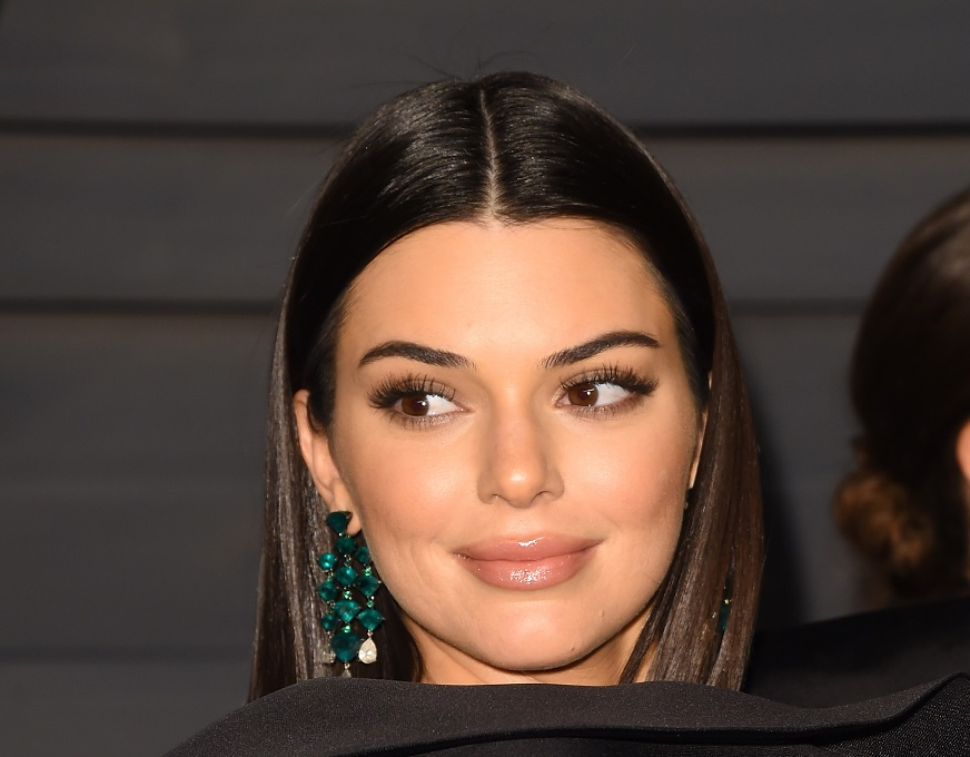 Kendall Jenner admitted she got that lip tattoo while drunk, and tbh, it makes a lot more sense now