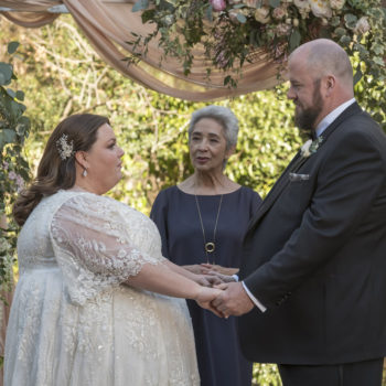 "Chris Sullivan had food poisoning while filming the ""This Is Us"" finale, but that wasn't going to come between #KaToby"