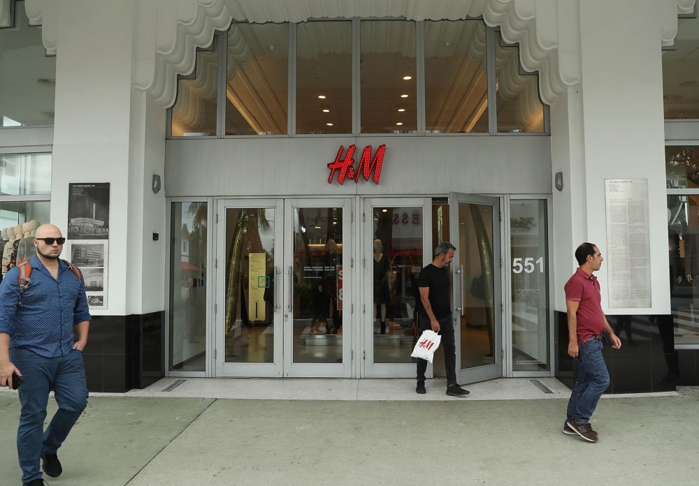 H&M tried to screw over a graffiti artist and lost