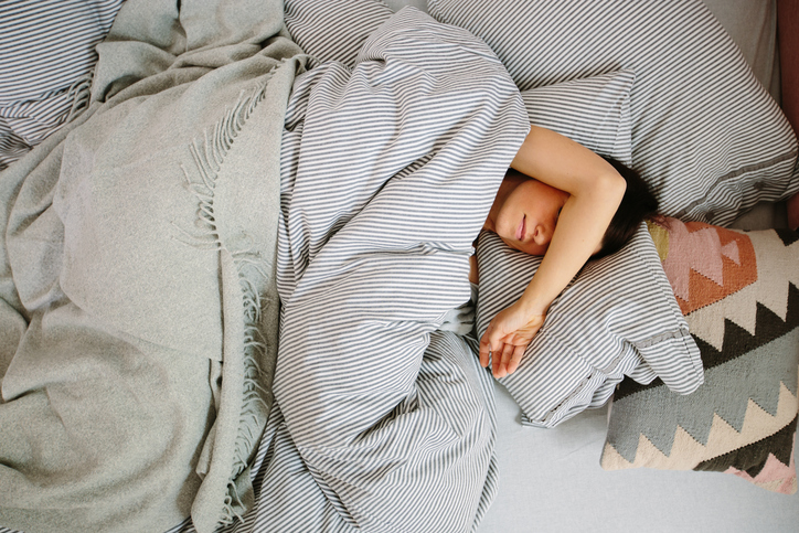 Here's what 7 sleep experts do when they can't fall asleep