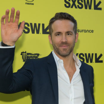 """Ryan Reynolds tried to make fun of his """"Green Lantern"""" movie, and instead made a super obscure """"The Holiday"""" reference"""