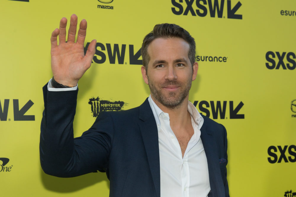 "Ryan Reynolds tried to make fun of his ""Green Lantern,"" and instead made a super obscure ""The Holiday"" reference"