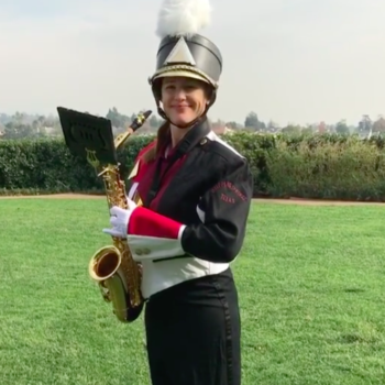 "Jennifer Garner playing ""Happy Birthday"" to Reese Witherspoon on a saxophone is the blessing your timeline needed today"