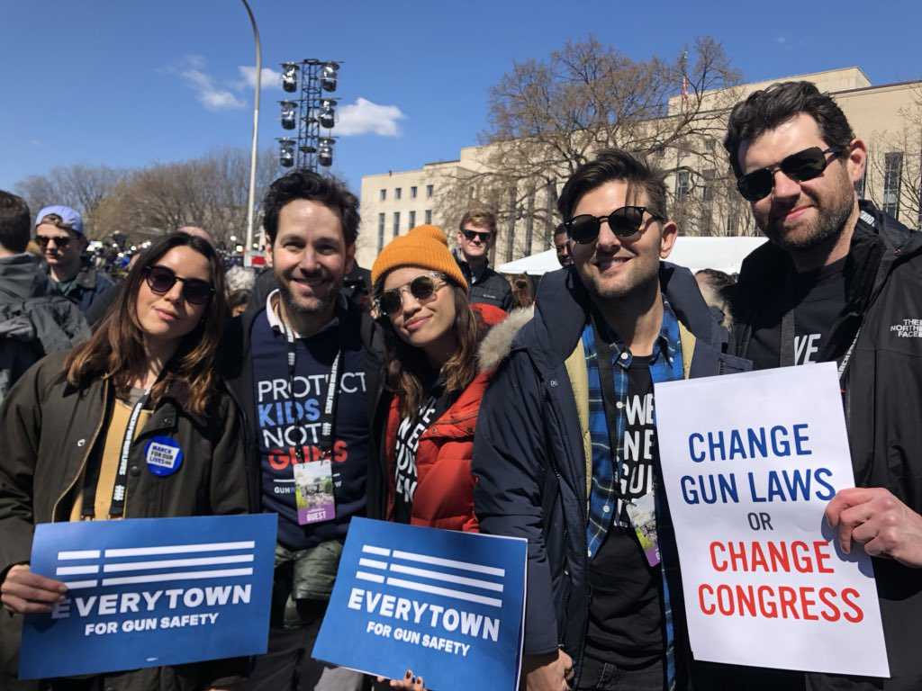 """The """"Parks and Rec"""" cast reunited at the March for Our Lives, because Pawnee is here to end gun violence"""