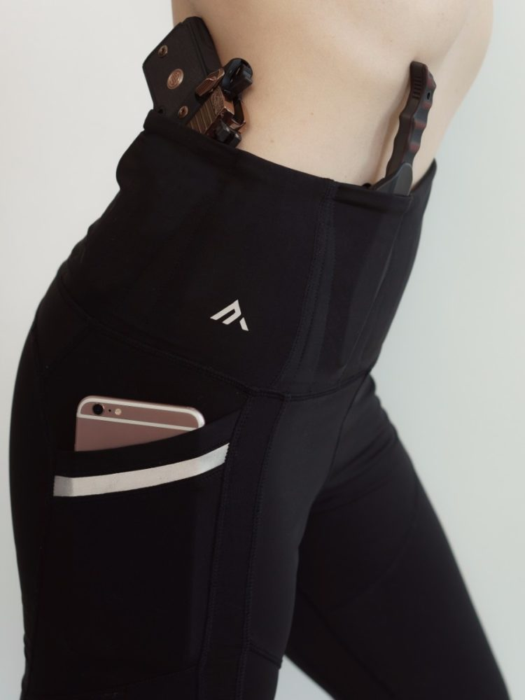 These Alexo Athletica Yoga Pants Have a Pocket To Carry Your