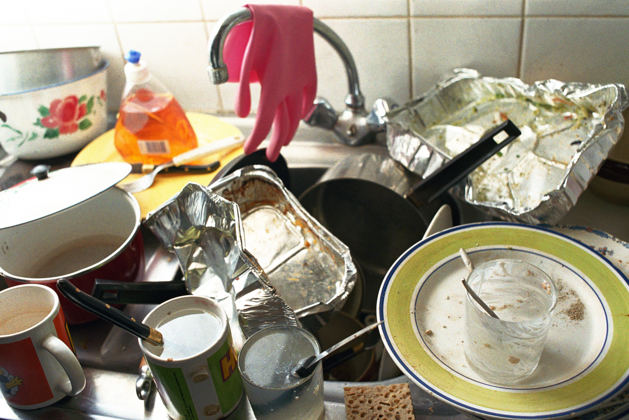 15 kitchen items we're all hoarding and should throw out immediately