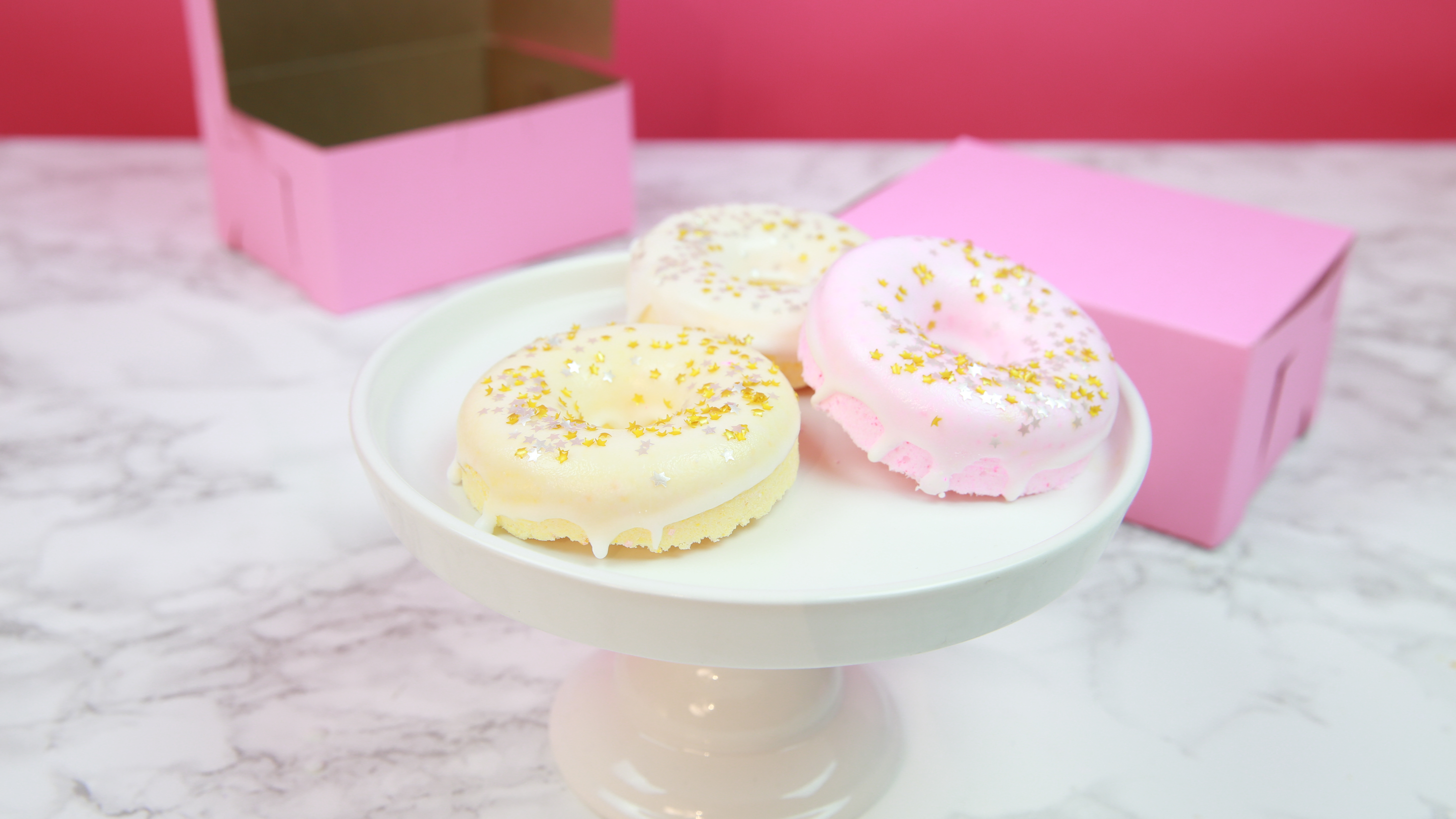 These DIY donut bath bombs are so potent you'll be immediately hungry and relaxed