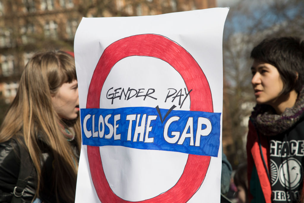 7 stats about the gender pay gap that will make you mad things aren't better yet