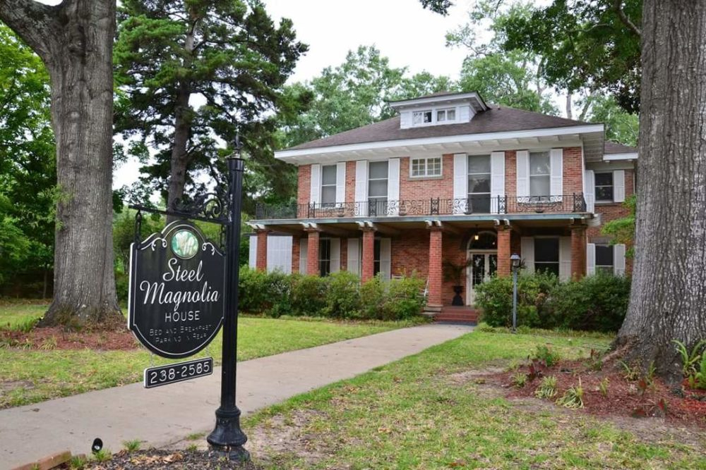The house from <em>Steel Magnolias</em> is now a charming bed and breakfast