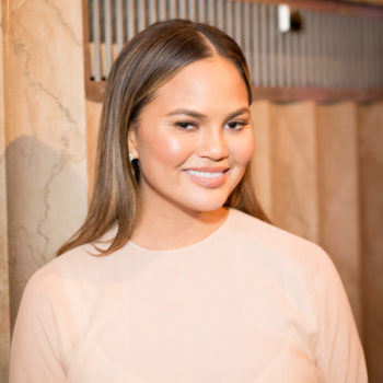 Chrissy Teigen just got a mid-summer hair makeover, and now we want one too