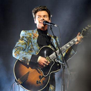 Two Harry Styles fans turned his concert into a giant rainbow to support the LGBTQ community
