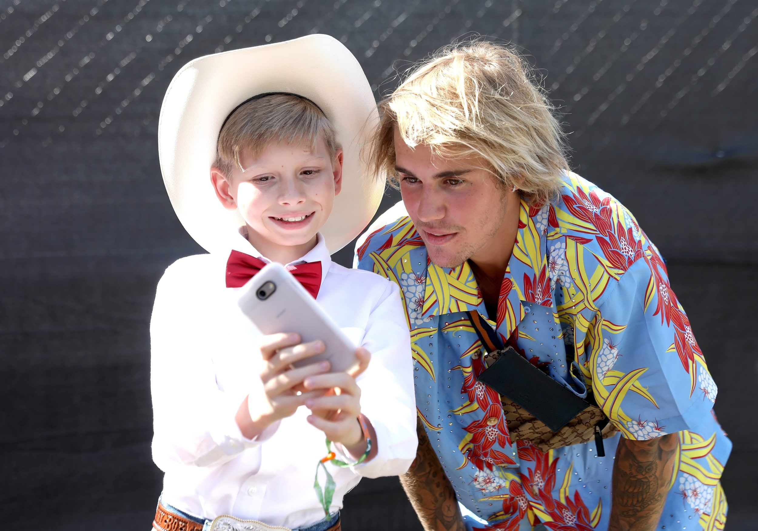 Justin Bieber adorably geeked out over the Walmart yodeling boy at Coachella, and there's video to prove it