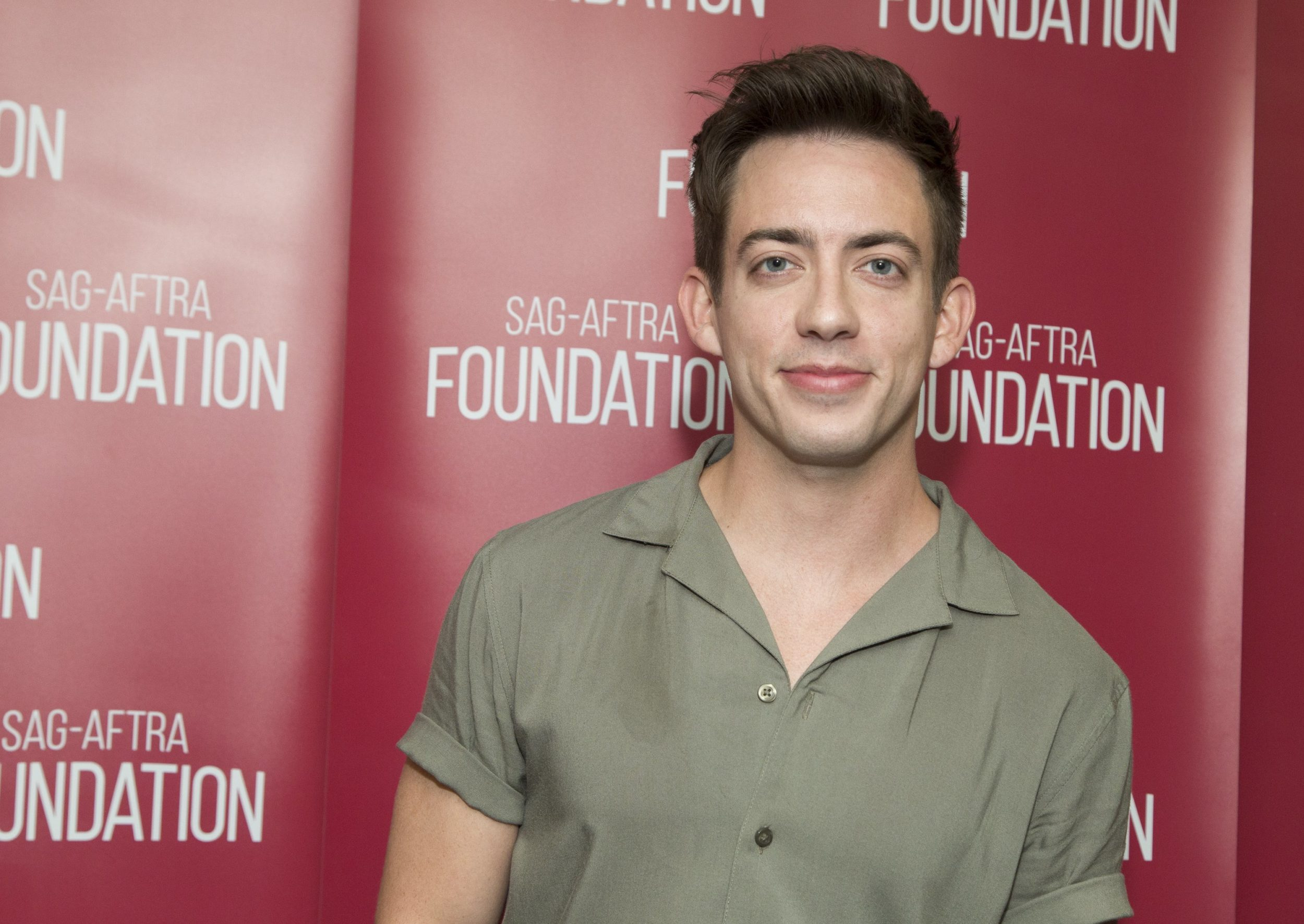 "Ariana Grande's powerful new single spurs ""Glee"" actor Kevin McHale to officially come out as gay"