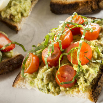 "This California restaurant put a ""deconstructed avocado toast bowl"" on its menu, and uh, isn't that a salad?"
