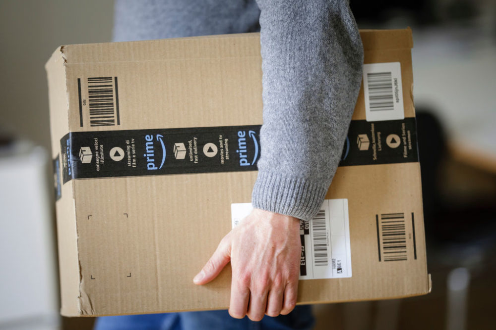 Amazon now delivers packages straight to the trunk of your car, and here's how
