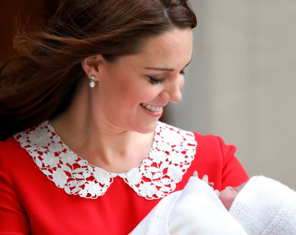 Twitter has officially lost its mind over the royal baby's name, and here are some of the best tweets