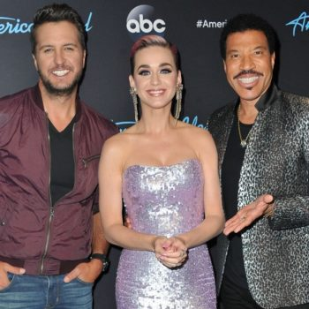 "Katy Perry looked uncannily like Snow White on last night's Disney-themed ""American Idol"""