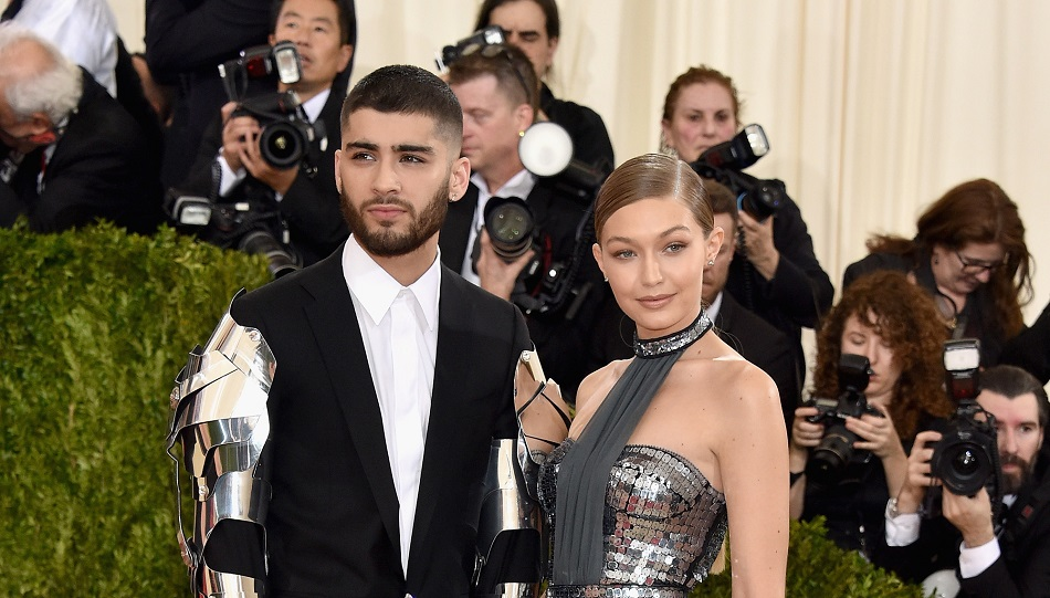 Gigi Hadid and Zayn Malik were spotted kissing — but we can only focus on the new tattoo on Zayn's skull