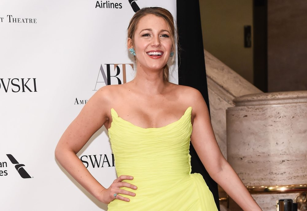 Blake Lively deleted all her Instagram pics and unfollowed everyone she knows after the most cryptic post ever