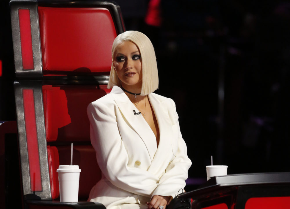 Christina Aguilera spilled the actual tea on why she left <em>The Voice</em>, and this cup is scalding hot