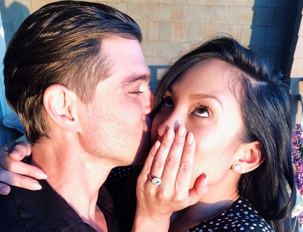 <em>Dancing with the Stars'</em>Cheryl Burke is engaged to Matthew Lawrence (yes, the Lawrence brother)