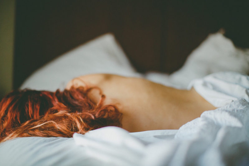 7 reasons sleeping naked will make your life better