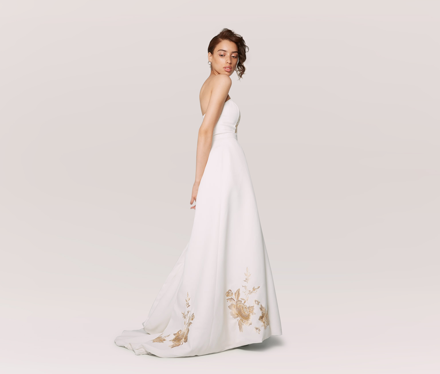 93d0fe004d64 14 Affordable Plus-Size Wedding Dresses That Cost Under $400 ...