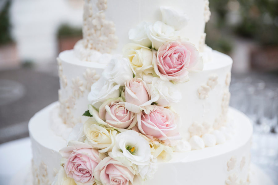 The best cake flavors for a spring wedding, according to a baker