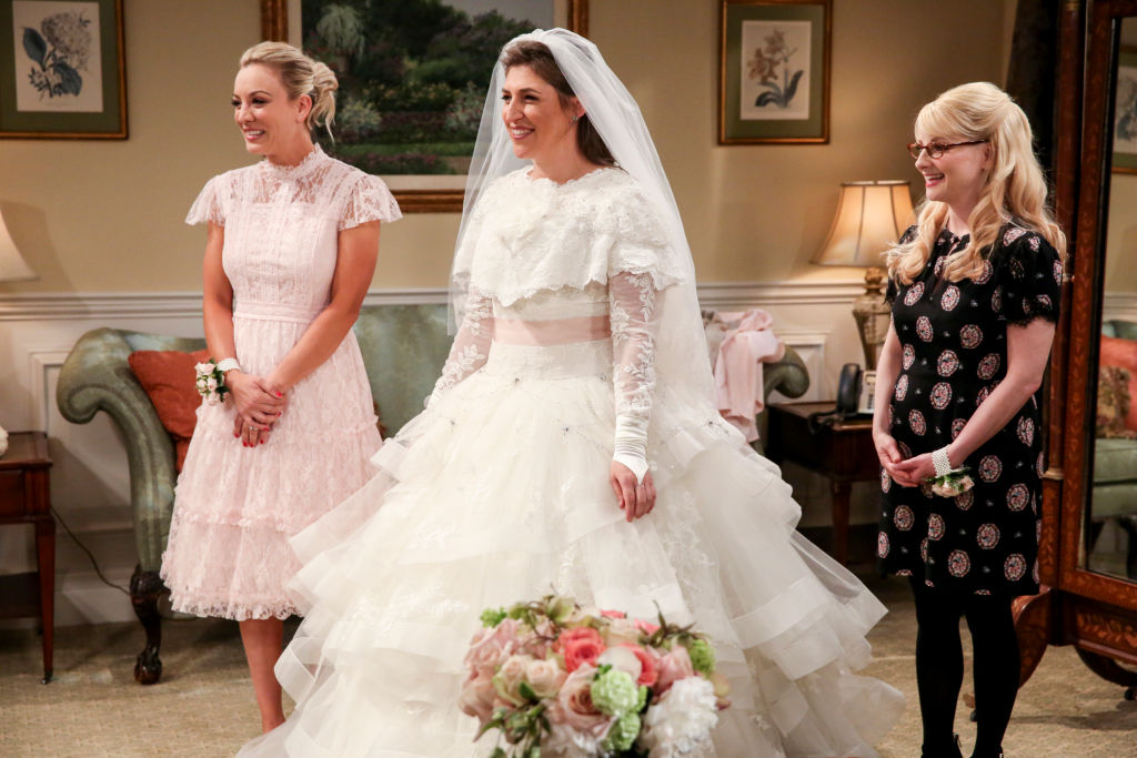 "Mayim Bialik opened up about why wearing a wedding dress in the <em>Big Bang Theory</em> Season 11 finale felt ""awkward"""