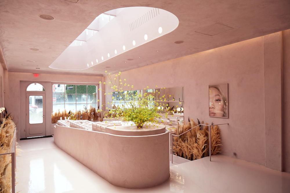 Glossier's new IRL location is a total Insta-trap and we are here for it