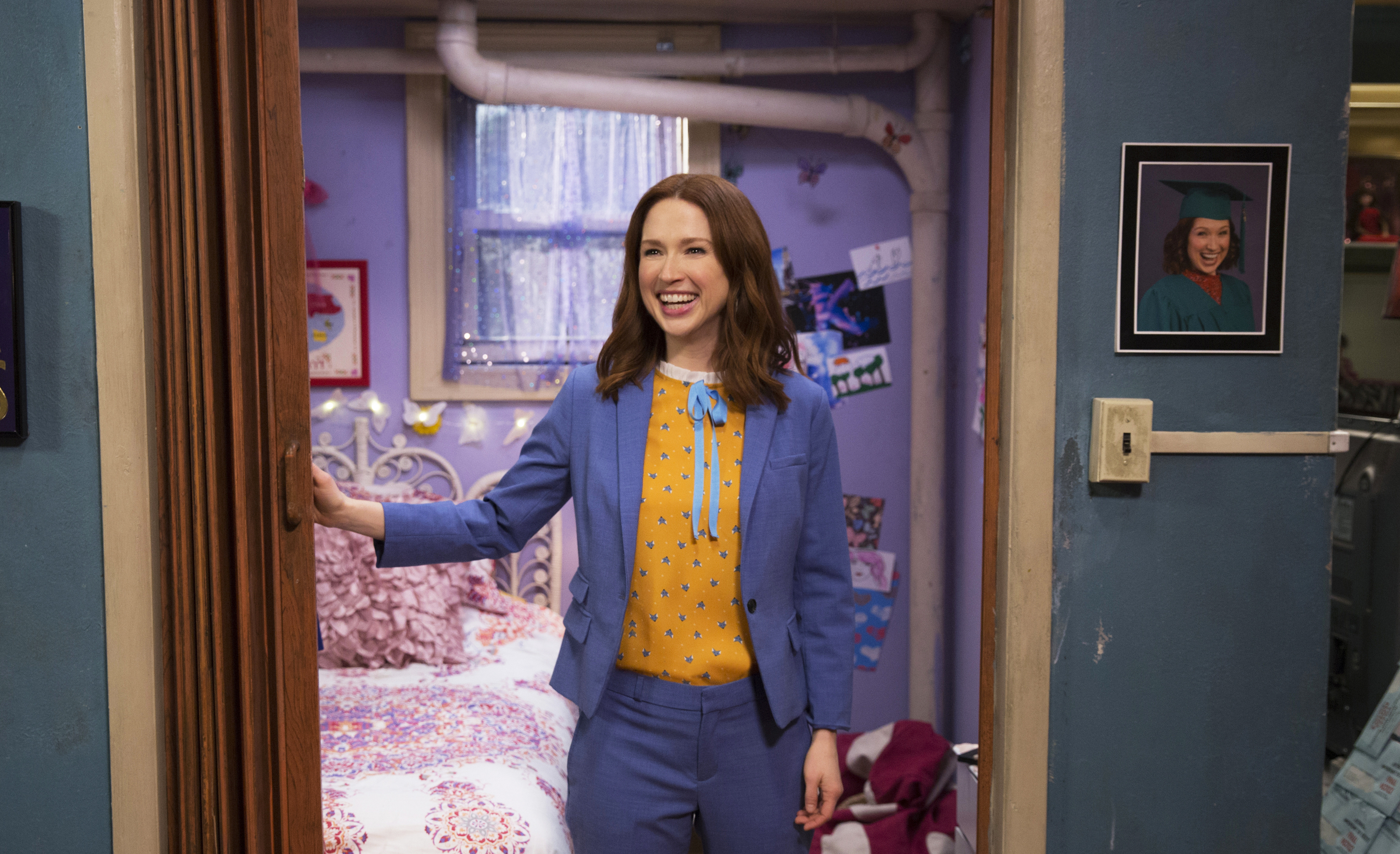 Kimmy Schmidt's new best friend is a robot, and we're so fudging excited for Season 4