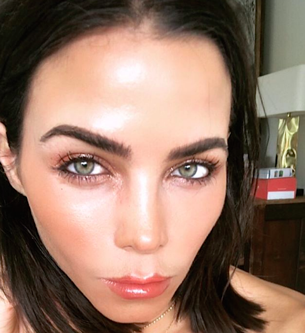 Just print this picture of Jenna Dewan's summer bob and bring it to your hairdresser now