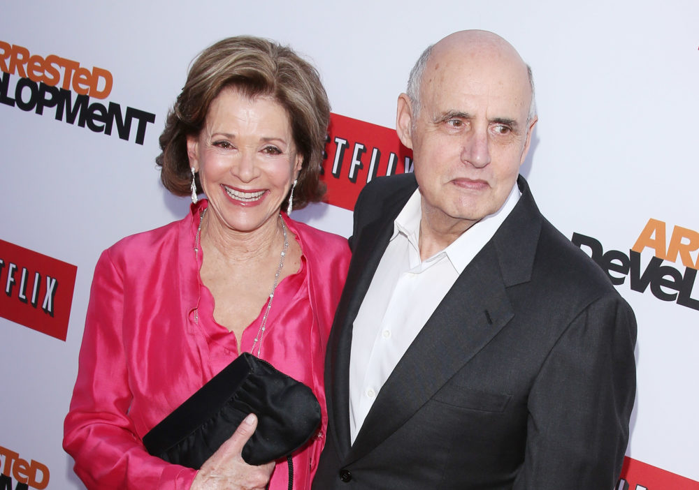 Jessica Walter tears up while talking about Jeffrey Tambor harassing her on the set of <em>Arrested Development</em> — and this is 110% not okay
