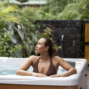 """Dream job alert: You can get paid to test out hot tubs as a """"hot tubologist"""""""