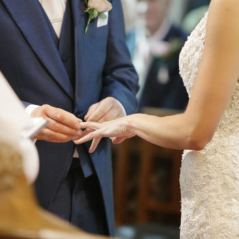 10 things to consider before choosing a wedding date