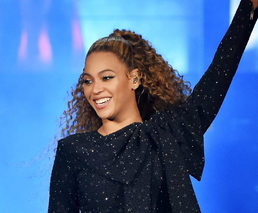 Beyoncé finally gifted us with a full-length picture of the wedding dress from her vow renewal