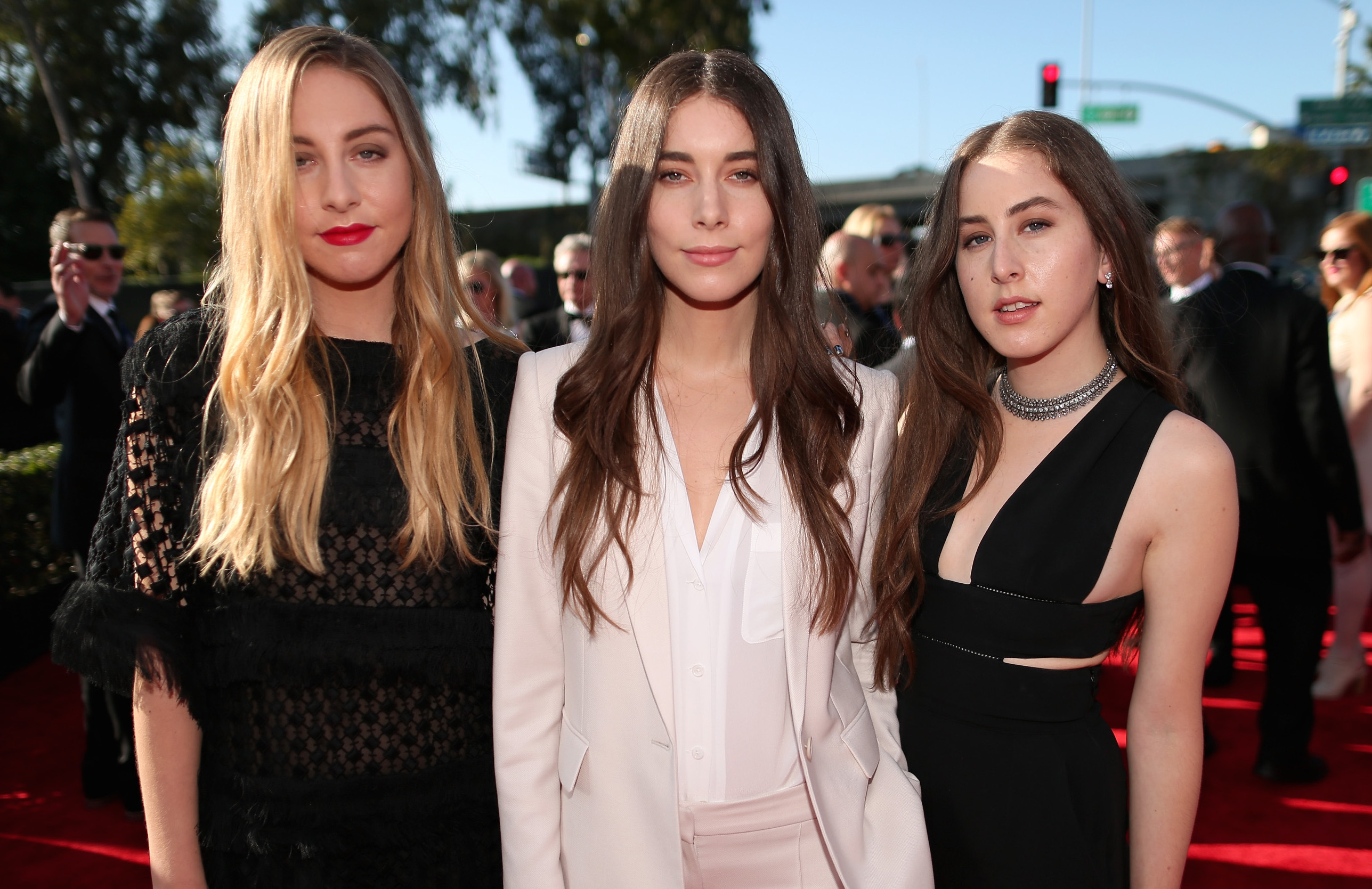 Haim fired their agent for an infuriating reason — the band wasn't receiving equal pay to play at festivals