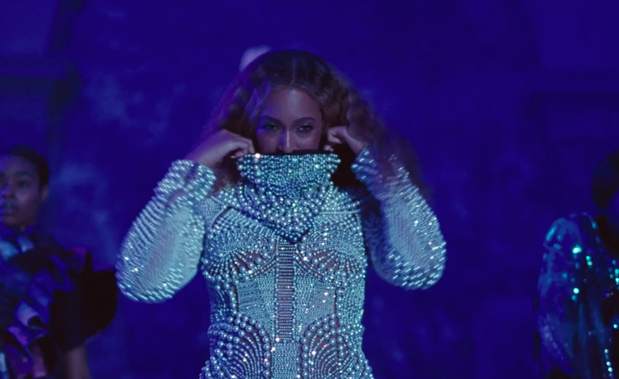 Best Fashion Moments In Beyonc 233 And Jay Z Apeshit Music