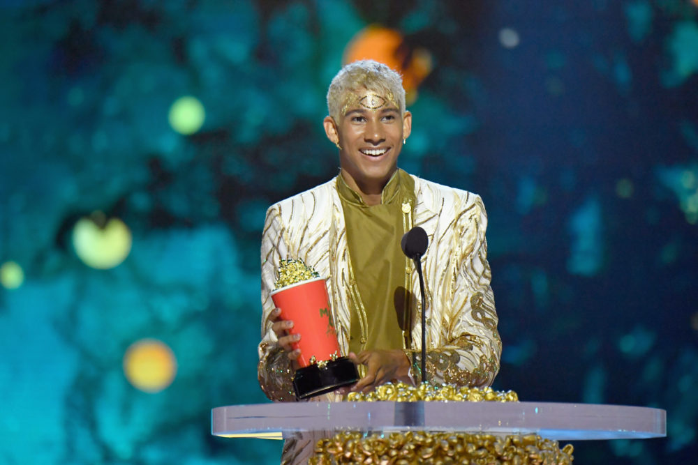 "Keiynan Lonsdale's ""Best Kiss"" acceptance speech at the 2018 MTV Movie & TV Awards will make you sob"