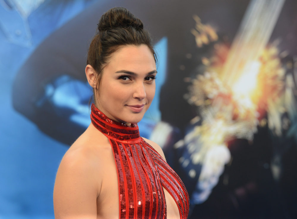 First footage of Wonder Woman's invisible jet is here, and you have to see it to believe it