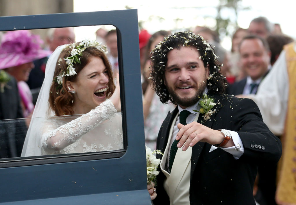 Kit Harington and Rose Leslie are married, and thankfully, the wedding color scheme wasn't red