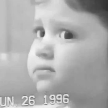 Ariana Grande side-eyeing her mom at age 3 in this vintage video is, quite simply, iconic