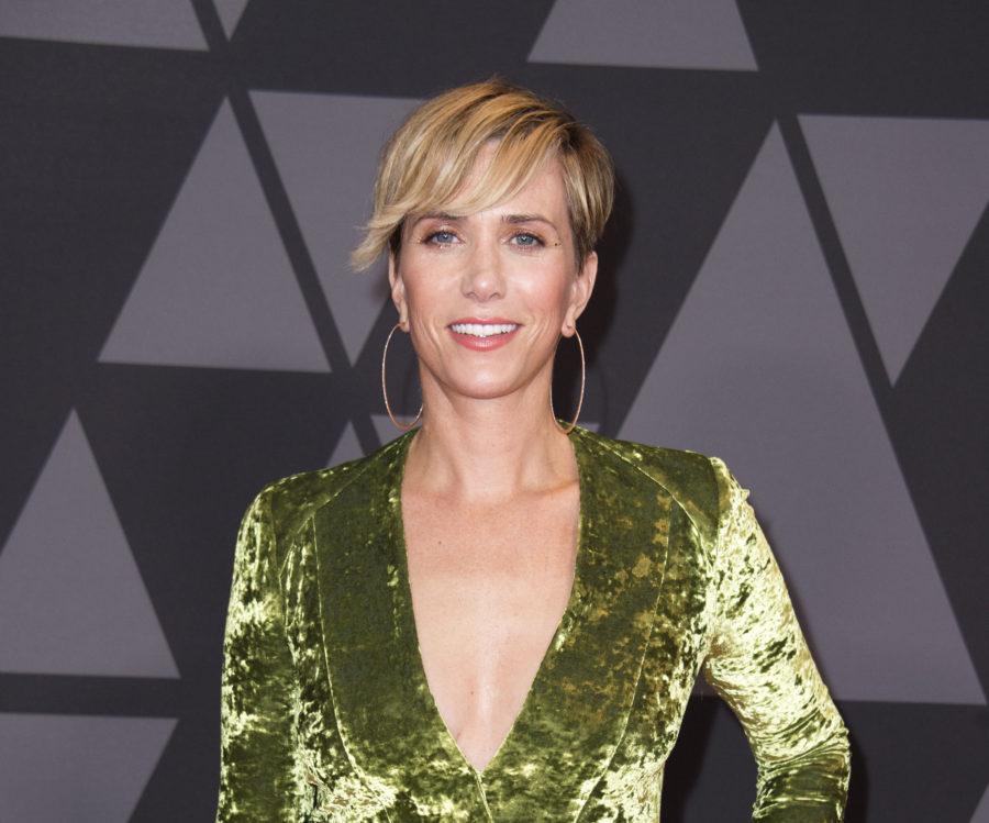 The first photo of Kristen Wiig in <em>Wonder Woman 1984</em> is here, and we have ZERO chill