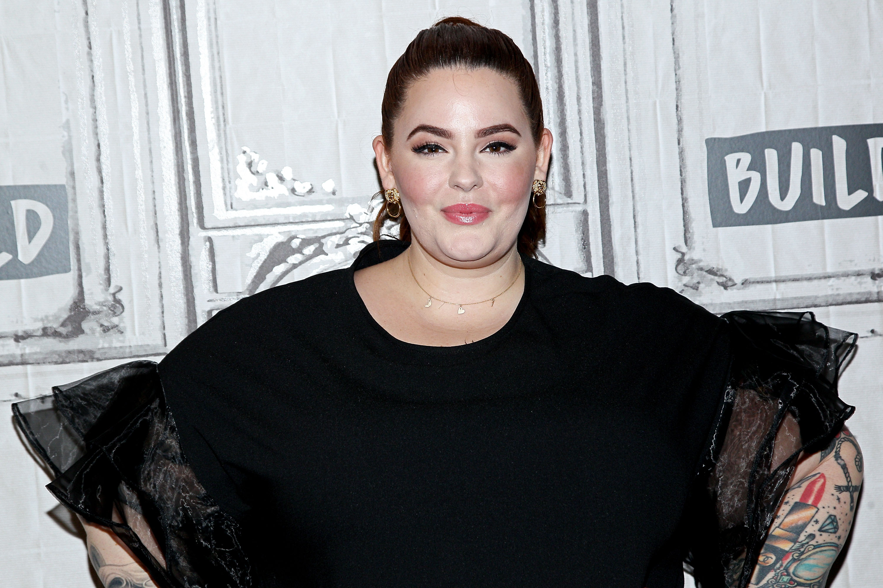 """Plus-size model Tess Holliday explains why it's empowering to use the word """"fat"""""""