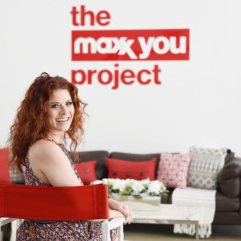Debra Messing told us about the moment she learned to love her curly hair