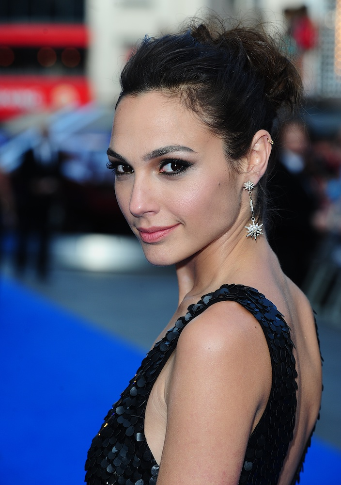 The Best Gal Gadot Beauty Moments Over The Years ...