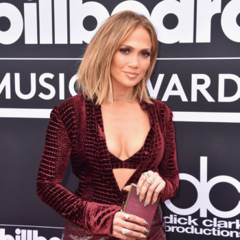 """Jennifer Lopez gave dating advice to a Tinder user, and she said men are """"useless"""" before this age"""