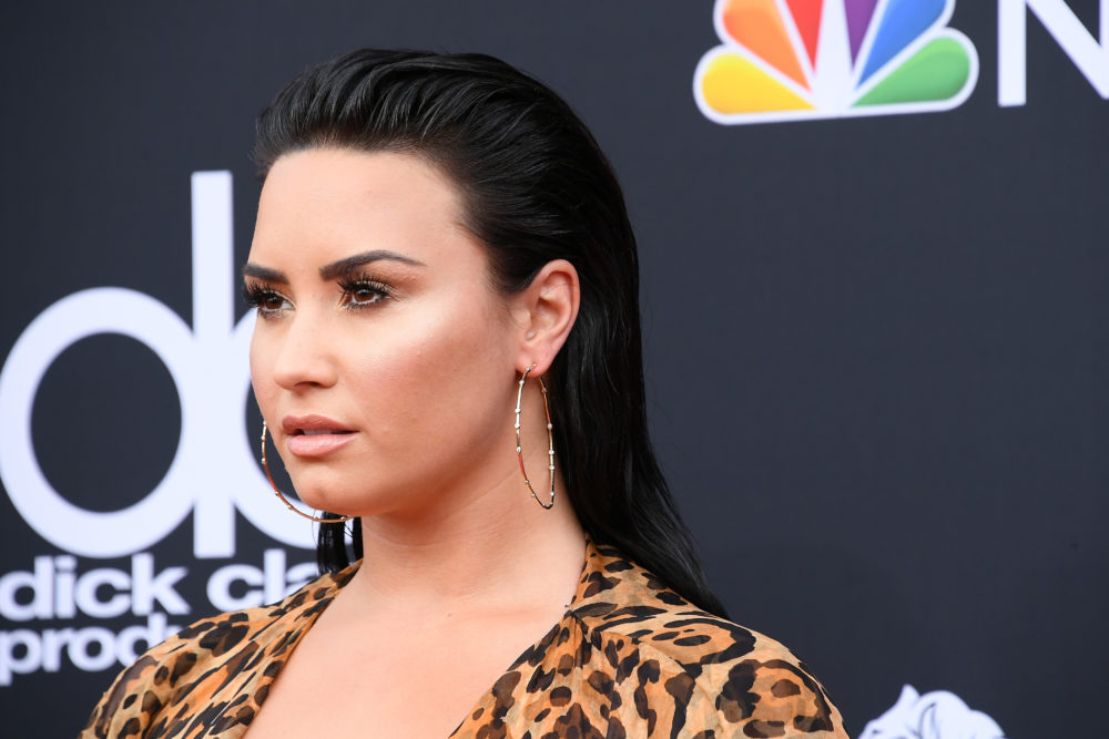 Demi Lovato debuted honey-blonde hair, and it's #summergoals