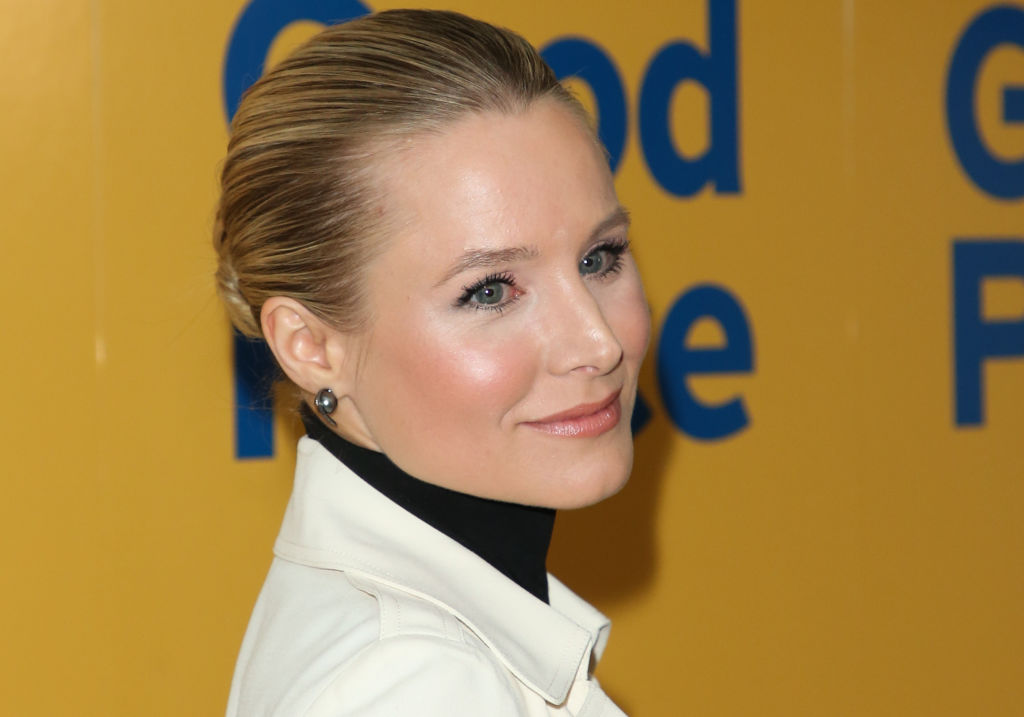 It's Kristen Bell's birthday, and she celebrated by helping bail an immigrant mom out of detention