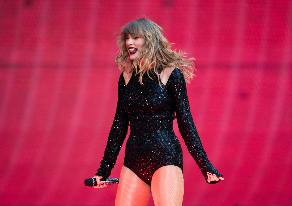 Taylor Swift will star in a movie version of the musical <em>Cats</em>, and nothing has ever made more sense